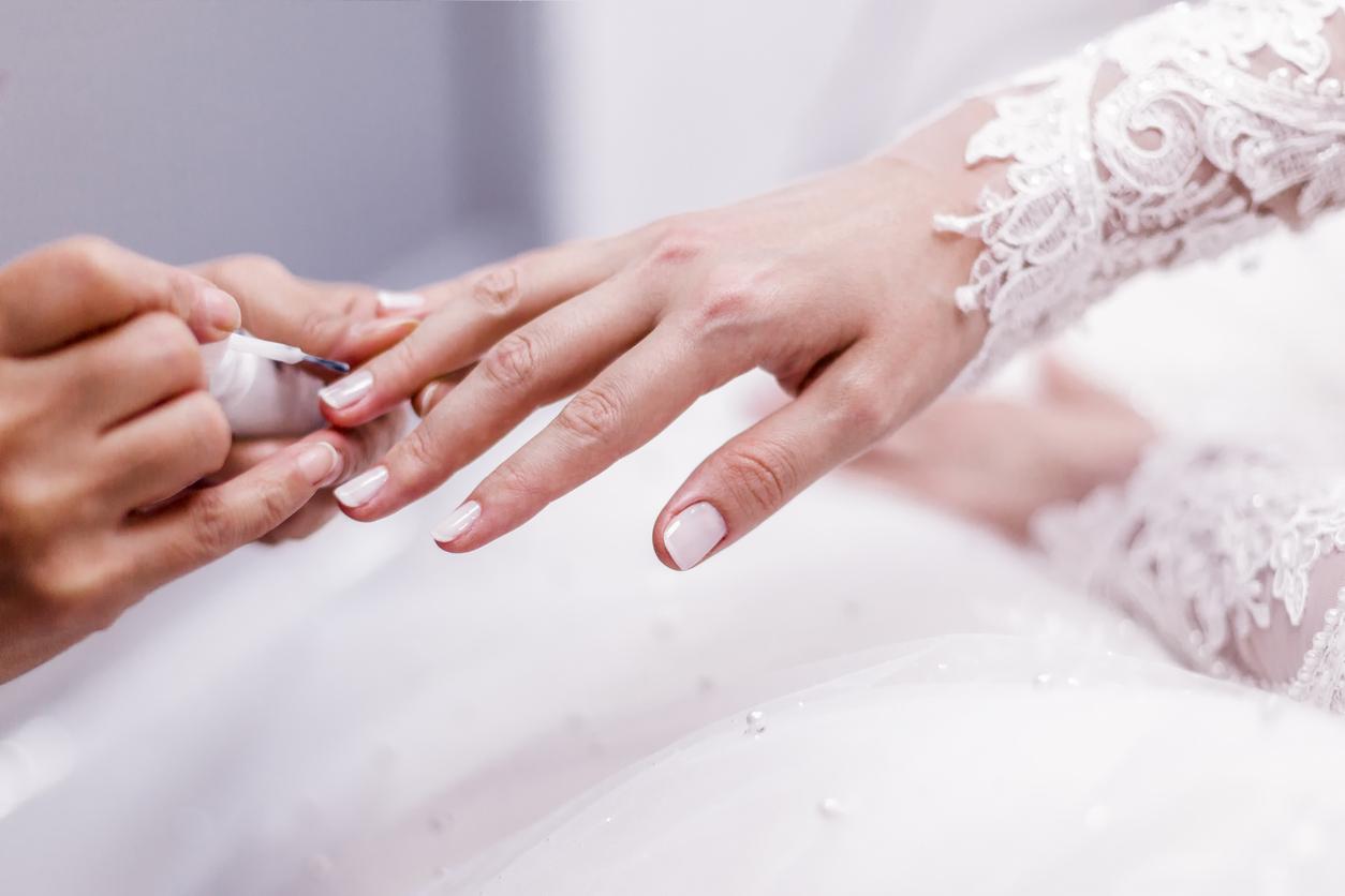 nail polish bride's hand
